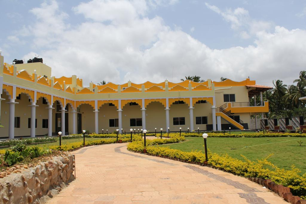 Hotels near krs dam in mysore with photos and prices Resorts in mysore with swimming pool